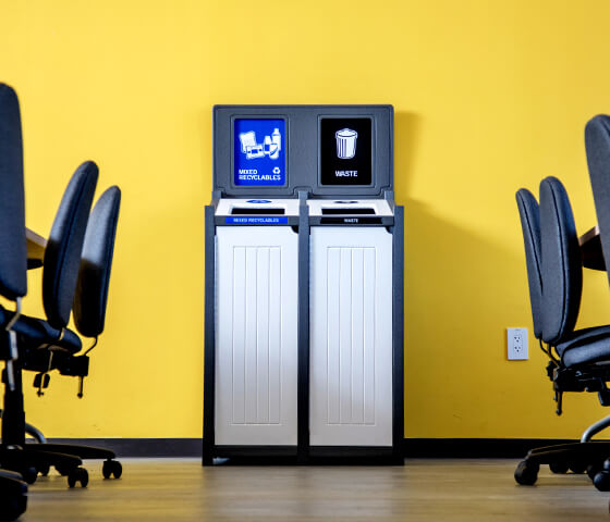 Busch Systems Aspyre Collection Venture Series double in grey and white in a college classroom inside