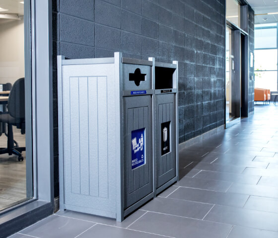Busch Systems Aspyre Collection Vision Series double in grey in a college hallway inside