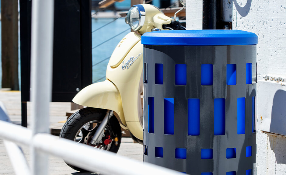 Busch Systems Vancouver single stream container with blue liner and blue standard lid